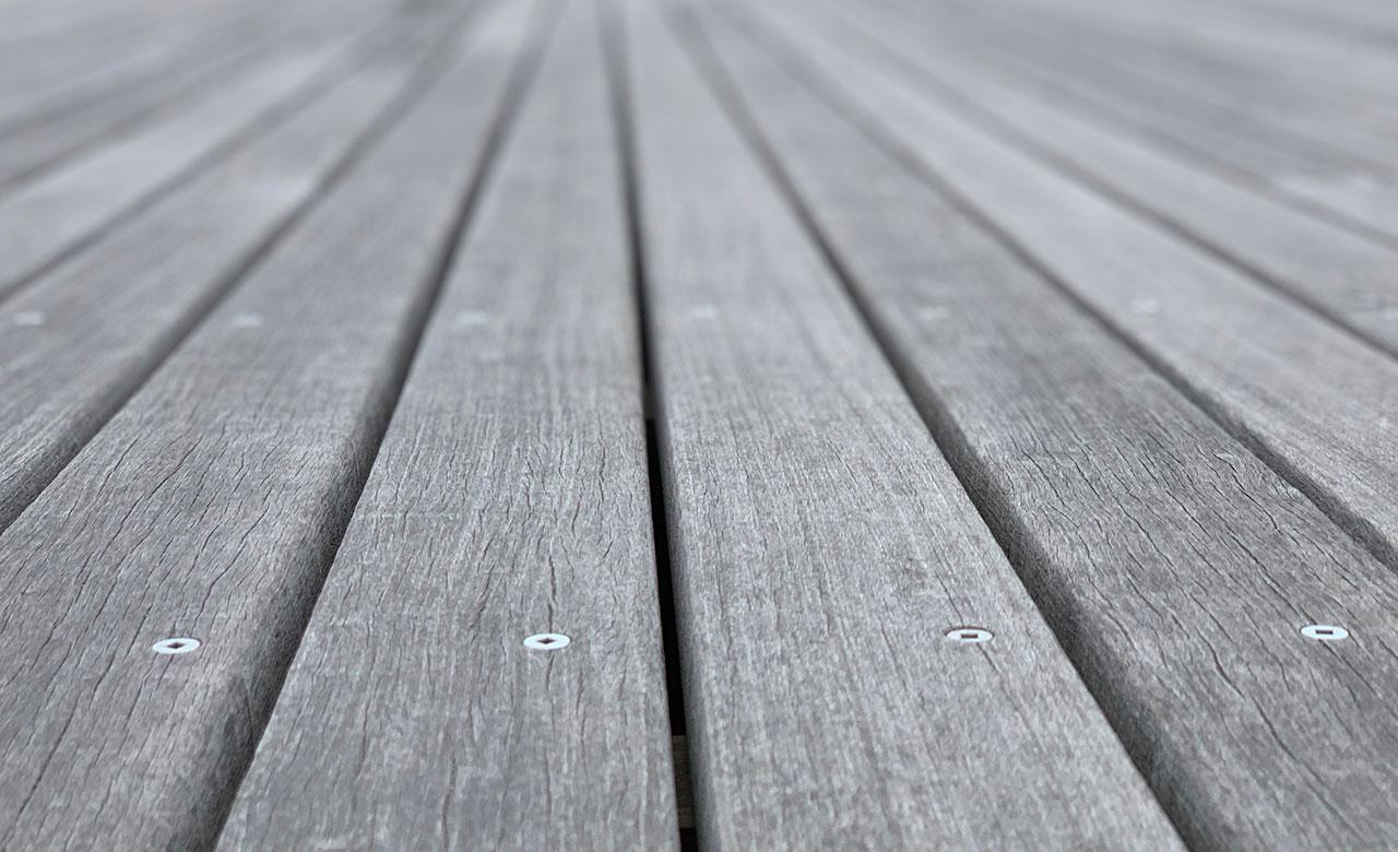 Decking e Pavimenti Esterni